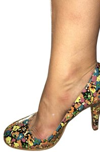 Marc Jacobs Black with floral print Pumps