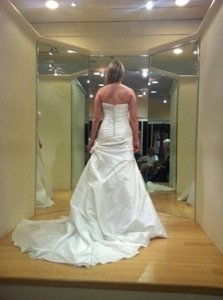 Enzoani La Sposa Mara Wedding Dress