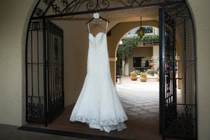 Allure Bridals Allure Bridal - C200 Wedding Dress