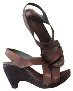 CoSTUME NATIONAL Brown Sandals