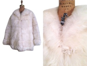 Beyond Vintage Women Natural Lamb Fur Fur Coat