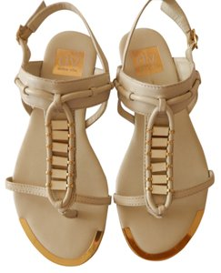Dolce Vita Size 6 Ivory Sandals