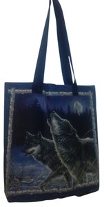 Other Wolf Howling Tote in Blue