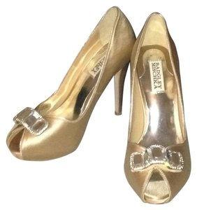 Badgley Mischka Nude/tan Pumps