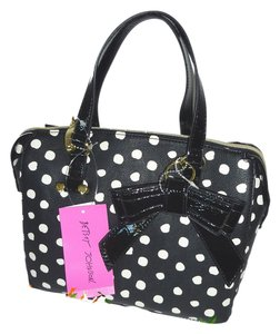 Betsey Johnson Corss Body Medium Size Satchel in black/bone