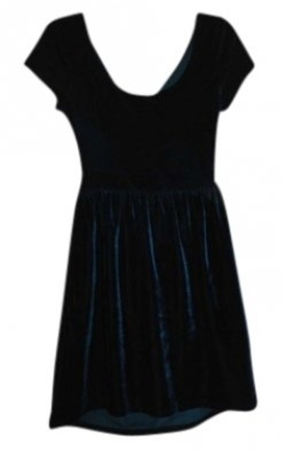 Preload https://item3.tradesy.com/images/kimchi-blue-forest-green-mini-velour-above-knee-night-out-dress-size-8-m-143102-0-0.jpg?width=400&height=650