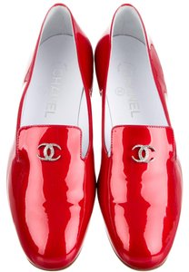 Chanel Patent Leather Crystal Interlocking Cc Embellished Loafer Red Flats
