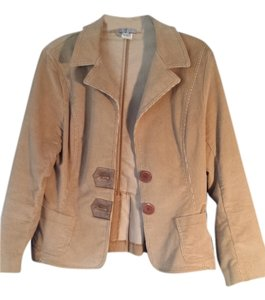 Polly says Colored tan, camel Blazer