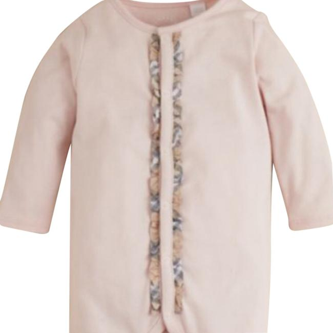 Preload https://img-static.tradesy.com/item/14316898/burberry-ice-pink-infant-girls-signature-check-trim-footie-months-pant-suit-size-os-one-size-0-1-650-650.jpg