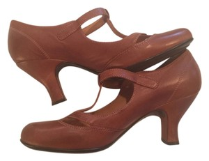 Eürosoft by Söfft Softt Size 11 Leather Like New brown Pumps