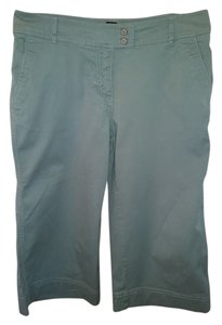 New York & Company Capri/Cropped Pants Green