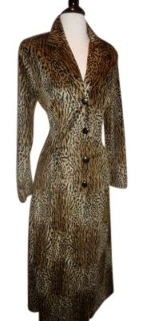 Preload https://item2.tradesy.com/images/print-leopard-animal-long-evening-coat-size-6-s-143201-0-0.jpg?width=400&height=650