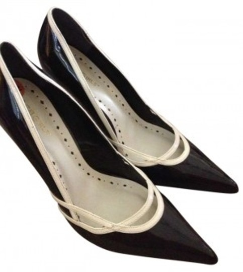 Preload https://item1.tradesy.com/images/bcbgeneration-black-and-ivory-pl-miakas-b-leather-formal-shoes-size-us-95-143225-0-0.jpg?width=440&height=440