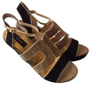 Theme Black Wedges