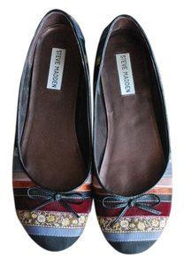 Steve Madden Multi Color Flats
