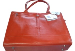 Buxton Satchel in red