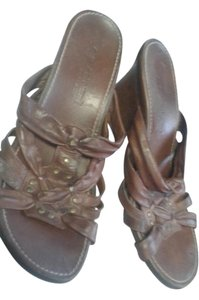 A. Giannetti Brown Wedges