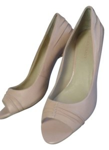 Ellen Tracy pale pink Pumps
