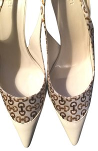 Gucci Shoe White with pattern Pumps