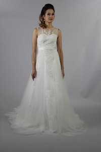 Handmade Simple But Elegant Formal A Line Sweetheart Neckline See Through Beaded Back Long Lace Wedding Dress