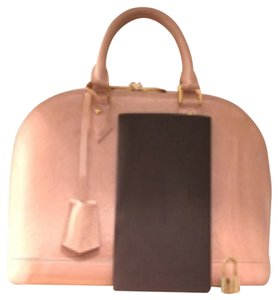 Louis Vuitton Satchel in Pink. peach