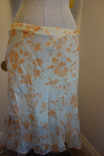 Max Studio Multi- Orange and Ivory Flowy By Skirt Size 4 (S, 27) Max Studio Multi- Orange and Ivory Flowy By Skirt Size 4 (S, 27) Image 3
