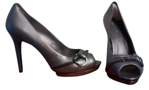 INC International Concepts Pewter Pumps