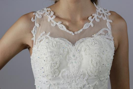 White Satine Tulle Lace Handmade See Through Crystal Beaded Top Sexy Crystal Beaded Applique Fit and Flare Modern Wedding Dress Size 4 (S)