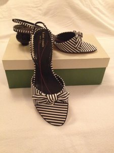 946cf5c7f7a5 Kate Spade Black and White Pumps. Kate Spade Black and White Freesia Style   s440403 Pumps Size US 9 Regular (M ...