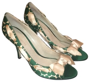 Enzo Angiolini Green Formal