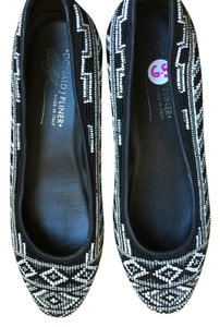 Donald J. Pliner Black & White Flats
