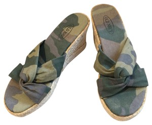 Old Navy Green camo Wedges
