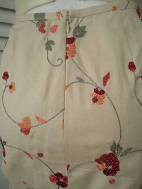 Ann Taylor LOFT Petites 6p Cotton Silk Blend Floral Chic Skirt Cream with red & orange embroidery Image 7