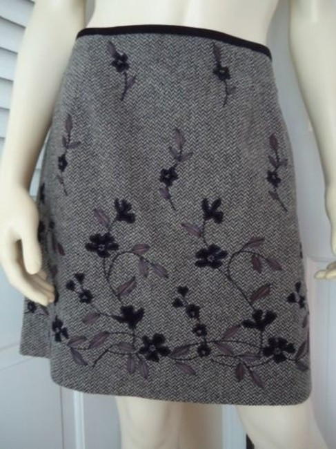Preload https://img-static.tradesy.com/item/14341369/ann-taylor-skirt-mini-wool-blend-floral-applique-beads-embroidery-lined-hot-0-0-650-650.jpg