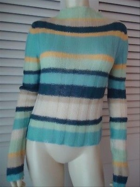 Preload https://img-static.tradesy.com/item/14341408/guess-jeans-mohair-blend-mock-turtleneck-hot-multi-color-sweater-0-0-650-650.jpg