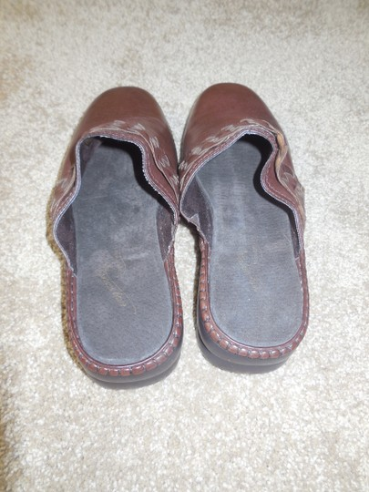 Easy Street New Without Tags Leather No Shoebox Braided Comfort Wave Brown Mules Image 1