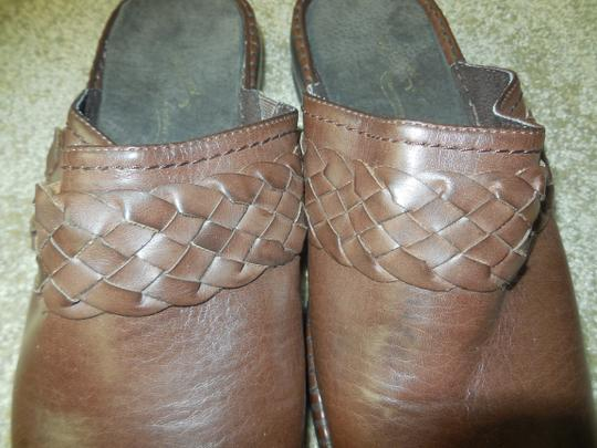 Easy Street New Without Tags Leather No Shoebox Braided Comfort Wave Brown Mules Image 5