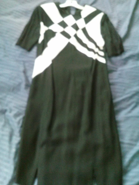 Preload https://img-static.tradesy.com/item/14342371/louis-feraud-black-and-white-linen-made-in-germany-mid-length-cocktail-dress-size-8-m-0-1-650-650.jpg