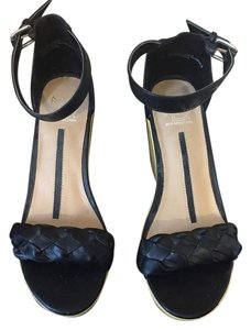 New Directions Black Wedges