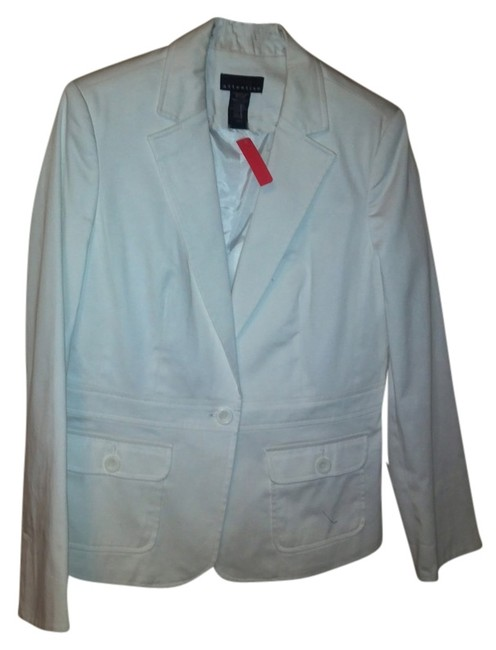 Preload https://img-static.tradesy.com/item/14344180/attention-white-blazer-size-10-m-0-2-650-650.jpg