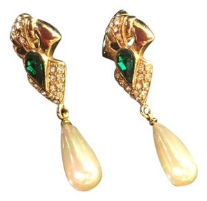 Pearl drop earrings on gold tone base with contrasting deep green stone and diamond like specks.