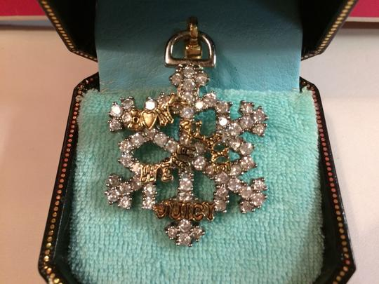 Juicy Couture JUICY COUTURE EXTREMELY RARE 2005 SNOWFLAKE CHARM!!
