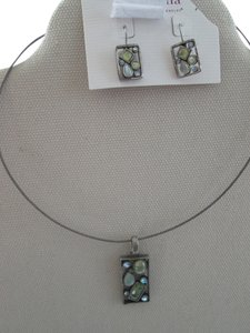 Lia Sophia vintage set, lia sophia, mint condition style necklace and earrings