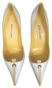 Manolo Blahnik White yellow/white Pumps