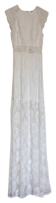 Preload https://img-static.tradesy.com/item/14346370/guess-by-marciano-white-lace-long-cocktail-dress-size-0-xs-0-1-650-650.jpg