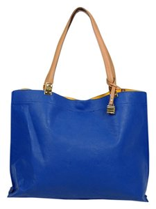 Tommy Hilfiger Leather Classic Tote in Blue