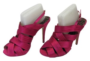 Betsey Johnson Size 10.00 M Leather Soles Fuchsia Sandals