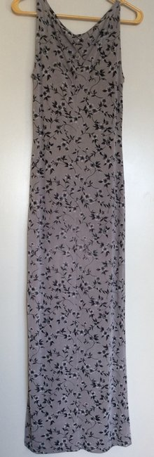 Grey floral Maxi Dress by Per Sextion Image 2