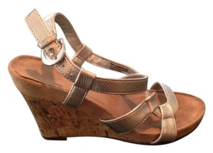 Aerosoles Tan & Silver Wedges