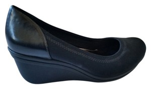 Kenneth Cole Soft Sole black Wedges